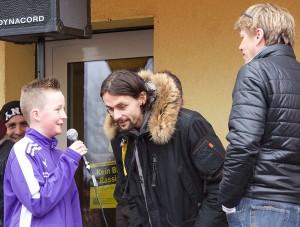 Saisonauftakt der Nordstadtliga Bunt kickt gut mit BvB-Spieler Neven Subotic. Foto: Wolf-Dieter Blank