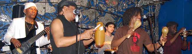 Als Vorgruppe von Buena Vista Social Club wurde Son Caliente gefeiert.