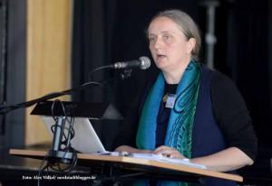 Barbara Eßer vom Zentrum für Flüchtlinge in Düsseldorf fordert zusätzliche Kapazitäten für die psychosoziale Betreuung von Flüchtlingen.
