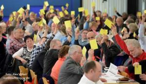 Der SPD-Parteitag sprach sich für mehr Unterstützung für Flüchtlinge aus und formulierte konkrete Forderungen.