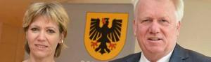Ullrich Sierau überreichte Daniela Schneckenburger die Ernennungsurkunde. Foto: Stefanie Kleemann/Stadt Do