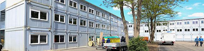 Der Umzug des Fritz-Henßler Berufskollegs ins Container-Dorf an der Weißenburgerstraße ist abgeschlossen