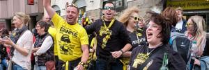 Spontane Feier von BvB-Fans trotz Niederlage im Pokal am Borsigplatz