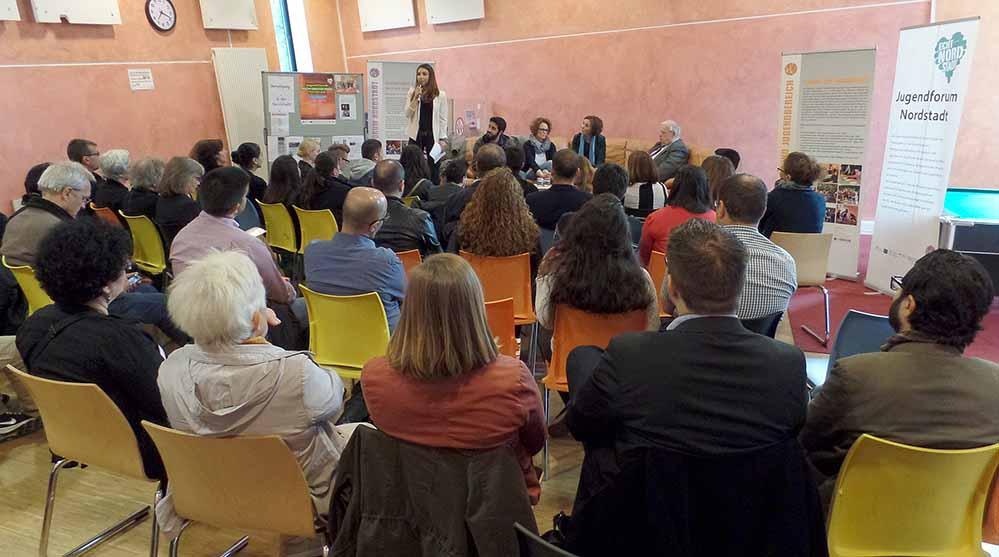 Auf großes Interesse stieß die Diskussionsveranstaltung im Jugendtreff Stellenpark.