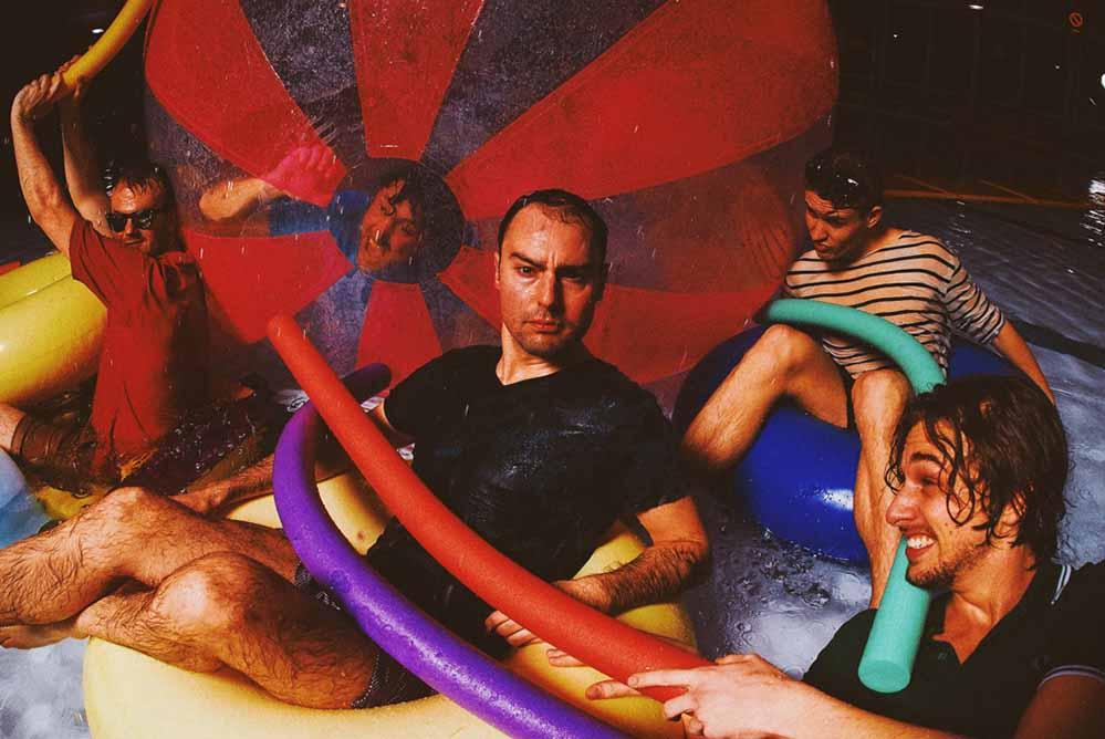 """Mit drei neuen Bandmitgliedern ist """"Try-Acrobatics"""" zurück auf der Tanzfläche."""