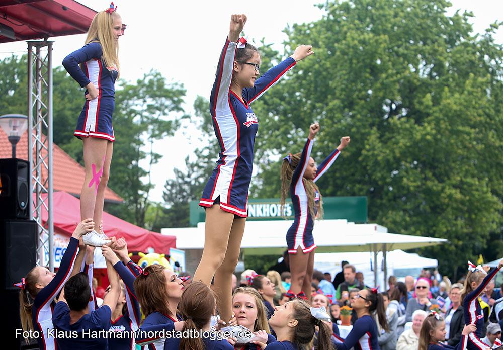 Hoeschpark international 2015 - Ten Years After. Cheerleadergruppe des Dortmund Giants Footballvereins