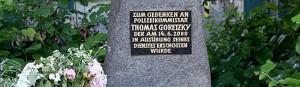 Der Gedenkstein für den Polizisten Thomas in Brackel. Foto: Marcus Arndt