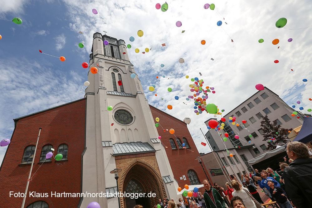 17. Münsterstraßenfest des Integrationsrates. Aktion Schule ohne Rassismus feiert ihr 20-jähriges Bestehen