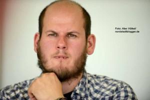 Neonazi-Aussteiger Steven Hartung forderte klare Kante statt Bratwurst-Braten gegen Rechts.