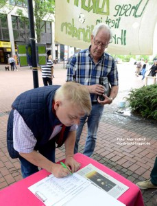 Ratsmitglieder wie Norbert Schilff unterschrieben eine Petition, um Druck auf das Bundesamt zu machen.
