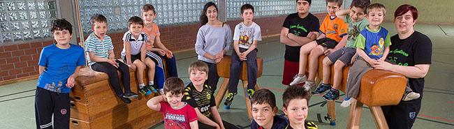 Jungen-Turngruppe FS 98: Hier in der Nordstadt lernen die Stärkeren die Fürsorge für die Schwächeren