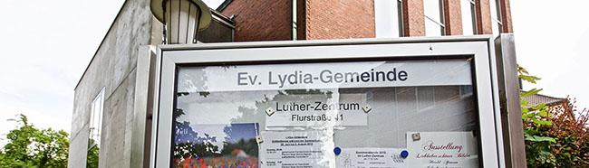 Volles Büffet und voller Garten: Die evangelische Lydia-Gemeinde lädt wieder dienstags ins Lutherzentrum ein