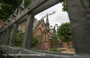 2. Nordwärts-Wanderung durch das Nordmarkt-Viertel. Kirche St. Antonius im Brunnestraßenviertel