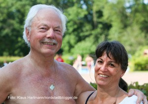 Sommertag im Freibad Stockheide. Ehepaar Artmann aus Körne