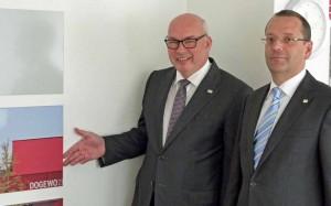 Dogewo21-Chef Klaus Graniki und Prokurist Andreas Laske stellten den Bericht vor. Foto: J.v. Brocke