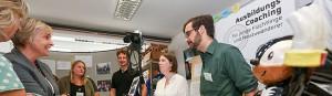 Politiker informieren sich bei GrünBau über soziale und berufliche Integration von Jugendlichen in besonderen Problemlagen