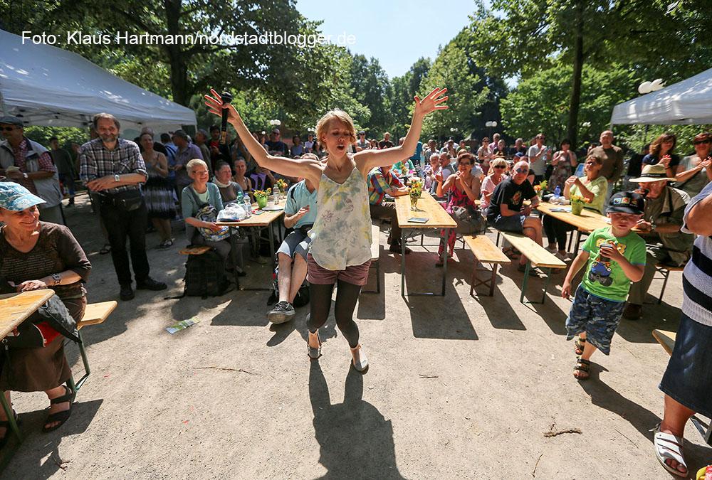 Zweite Ausgabe der Veranstaltungsreihe Musik.Kultur.Picknick 2015 auf dem Nordmarkt mit Lena Danai und The Day. Im Bild: Lena Danai und Band