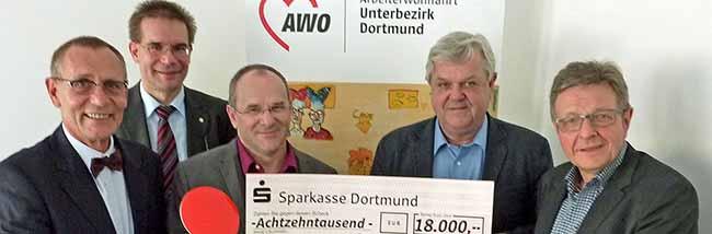 Sparkasse spendet 18.000 Euro für Dualen Studiengang Soziale Arbeit mit Schwerpunkt Armut und Flüchtlingsmigration