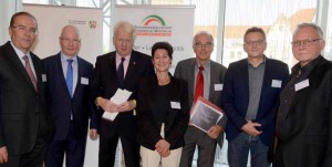 Klaus Wegener (AGNRW), Detlef Raphael (Deutscher Städtetag), OB Ullrich Sierau, Gisela von Mutius (Mehr Demokratie e.V.), Dr. Heinz Hetmeier (Bundesministerium für Wirtschaft und Energie), Prof. Dr. Dietmar Köster (MdEP) und Gerald Baars (WDR).