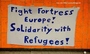 Refugees Welcome - Flüchtlingszug nach Dortmund _4684 - NSB