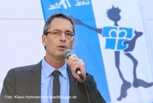 Sozialkaufhaus, Jacke wie Hose, feiert zehn-jähriges Jubiläum. Superintendent Ulf Schlüter