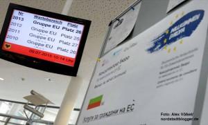 Werbung für das Projekt Willkommen Europa vor dem Schalter der Bürgerdienste des Team EU im Stadthaus bei den Bürgerdiensten