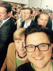 Sein Selfie mit der Kanzlerin am Tag der offenen Tür brachte ihn in viele überregionale Zeitungen.