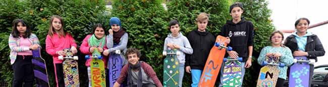 Ferienworkshop: Kinder und Jugendliche bauen Longboards in der Nordstadt – Eigene Bretter, die die Welt bedeuten