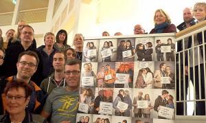 Der Runde Tisch zur Förderung der Emanzipation und Akzeptanz von Lesben, Schwulen und Transidenten schaute sich die Ausstellung an.