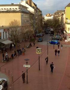 In einem Ladenlokal in der Münsterstraße nahm die Polizei die Hehler und Diebe fest.