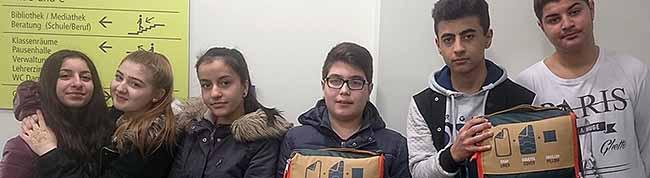 Schülerinnen und Schüler der Anne-Frank-Gesamtschule sammeln für Obdachlose in Dortmund