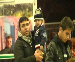 Mehr als 100 Kinder waren im Zug dabei - darunter auch große Familien.