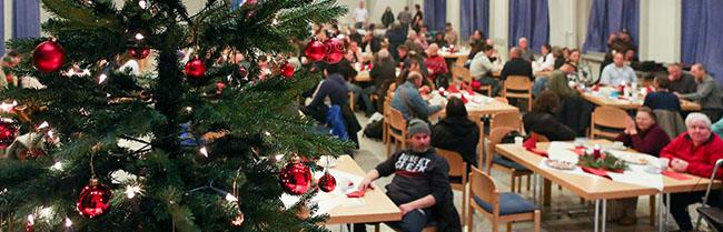 Diakonie-Weihnachtsfeier für wohnungslose Menschen in Dortmund erhält 4000 Euro Spendenunterstützung