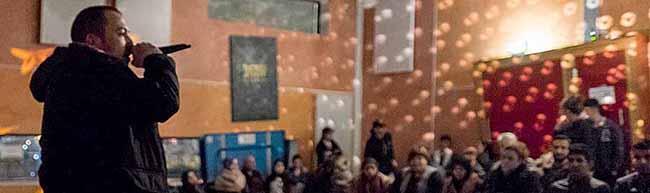 Rauer Rap und schnulzige Liebeslieder im Stollenpark: Musikabend von und für Jugendliche in der Nordstadt
