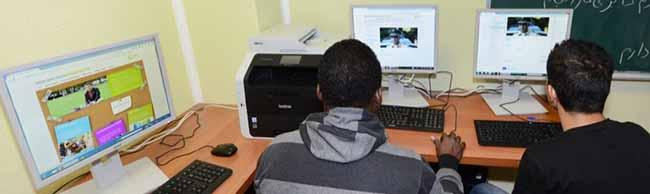 Lerninsel angeschafft: Volkswohlbund-Versicherungen spenden für junge Flüchtlinge im Haus Lindemannstraße