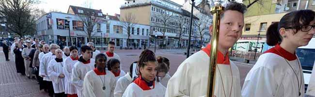 Fotostrecke: Großer Bahnhof und feierliche Festmesse für die neue Großpfarrei Heilige Dreikönige in der Nordstadt