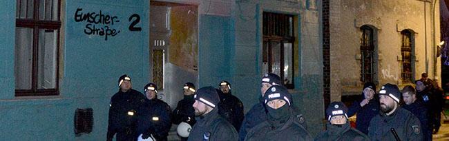 UPDATE Nach Angriffen auf Polizisten: Razzia bei Neonazis in sieben Häusern in Dortmund-Dorstfeld und Niedersachsen