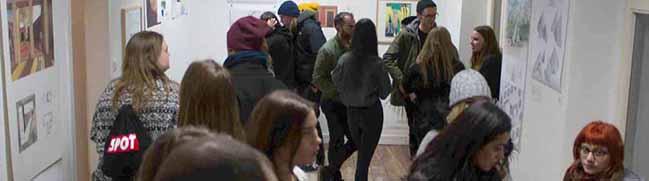 """Ein kreativer Ort des Austauschs: """"Salopp-Studio"""" eröffnet mit viel Publikum und Kunst an der Mallinckrodtstraße"""