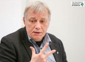 Die Verbraucherzentrale klärt am Weltverbrauchertag über Abzocke am Smartphone auf. Landtagsabgeordneter Mario Krüger (Grüne) ist Opfer der Betrugsmasche geworden