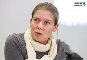 Die Verbraucherzentrale klärt am Weltverbrauchertag über Abzocke am Smartphone auf. Beraterin Anna Gronemann