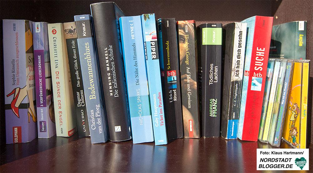 Der Spar- und Bauverein stellt auf Anregung der Mieter einen offenen Bücherschrank in der Unverhau-Straße auf