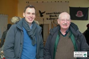 Eröffnung des Libertären Buchladen Black Pigeon. Besuch aus der BV: Dorian Marius Vornweg, CDU und Bezirksbürgermeister Ludwig Jörder, SPD