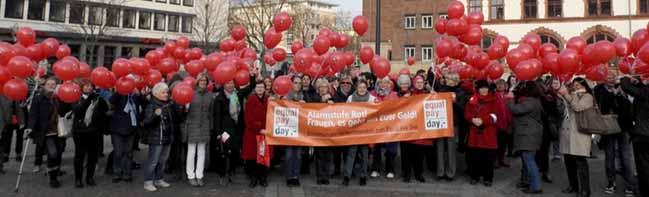 Aktionsbündnis zum Equal Pay Day fordert Frauen auf, sich selbst aktiv um eine gute Rente zu kümmern