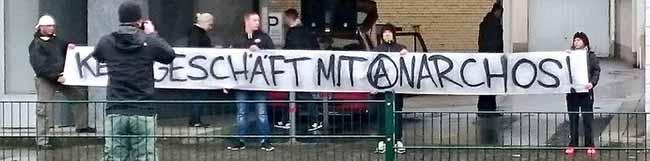 """Unternehmen widersteht Nazi-Druck: Vermieter wird dem anarchistischen Buchladen """"Black Pigeon"""" nicht kündigen"""
