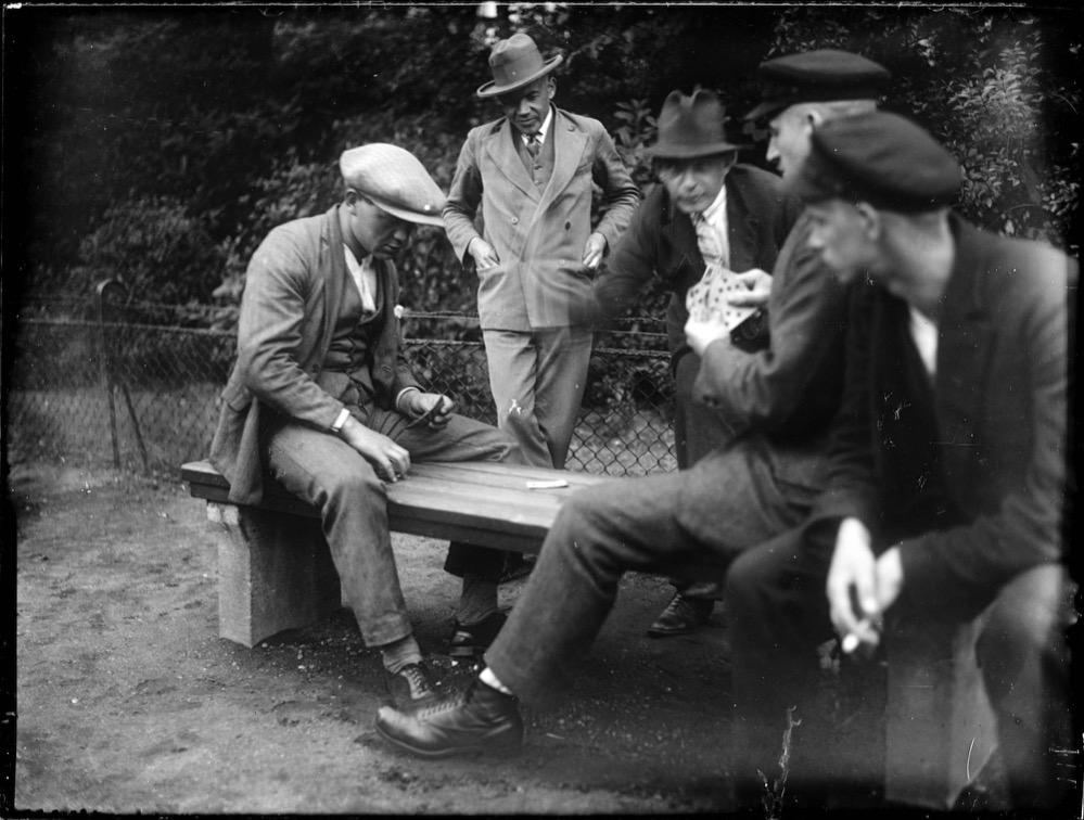 Kartenspiel, 1928 – 1933
