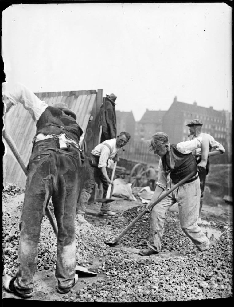 Straßenbauarbeiter, 1928 – 1933