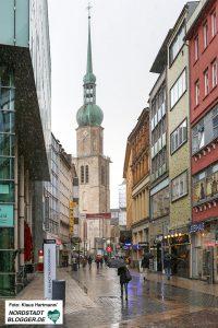 Die Brückstraße mit Blick auf die Reinoldikirche.