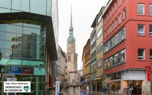 Die Brückstraße mit dem Konzerthaus (links) und der Reinoldikirche (im Hintergrund). Foto: Klaus Hartmann