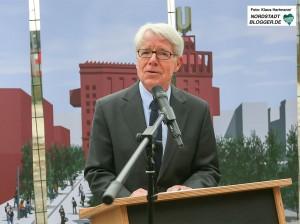 Einweihung der Benno Elkan-Allee am Dortmunder U. BvB-Präsident Reinhard Rauball
