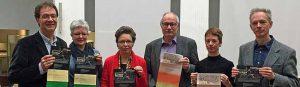 Bereiteten die Reihe Stadtgespräch zum Thema Europa vor: Prof. Dr. Walter Grünzweig (TU Dortmund), Dr. Brigitte Buberl (MKK), Dr. Gisela Framke (MKK), Dr. Karl Lauschke (Ruhr Uni Bochum), Isolde Parussel (MKK), Prof. Dr. Wolfgang Sonne (TU Dortmund). Foto: Joachim vom Brocke